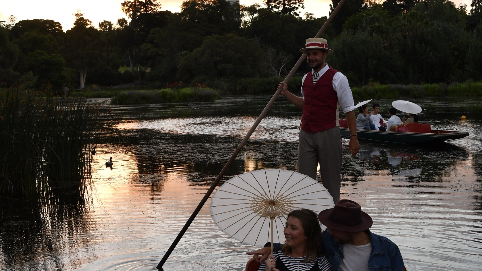 Things-to-do-in-Melbourne sunset punting