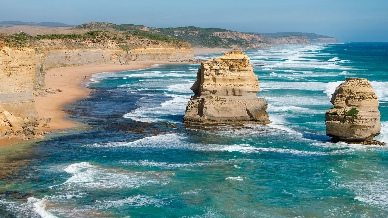 See the spectacular 12 Apostles limestone rock formations on the Great Ocean Road