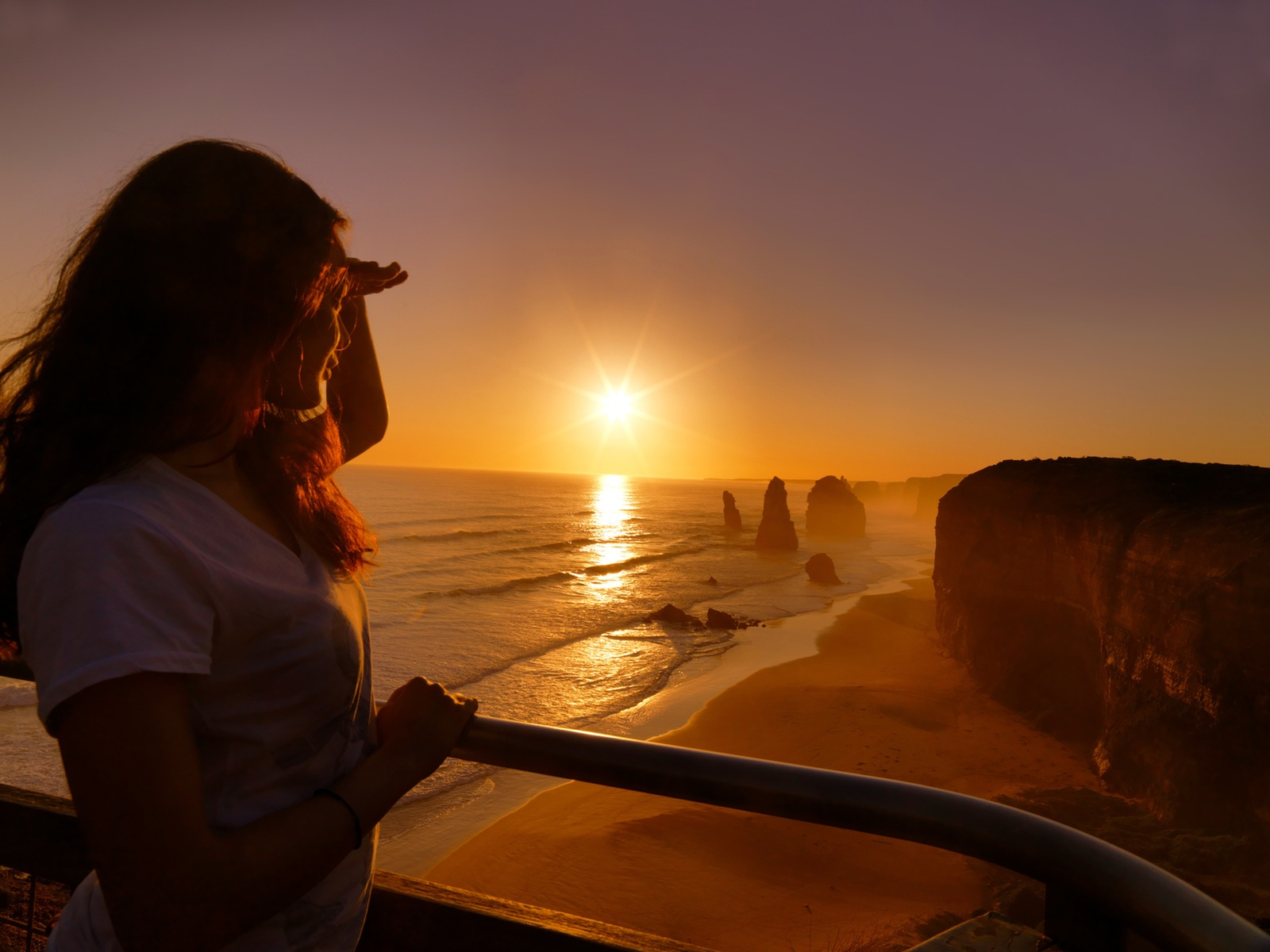 Sunset at the iconic Twelve Apostles