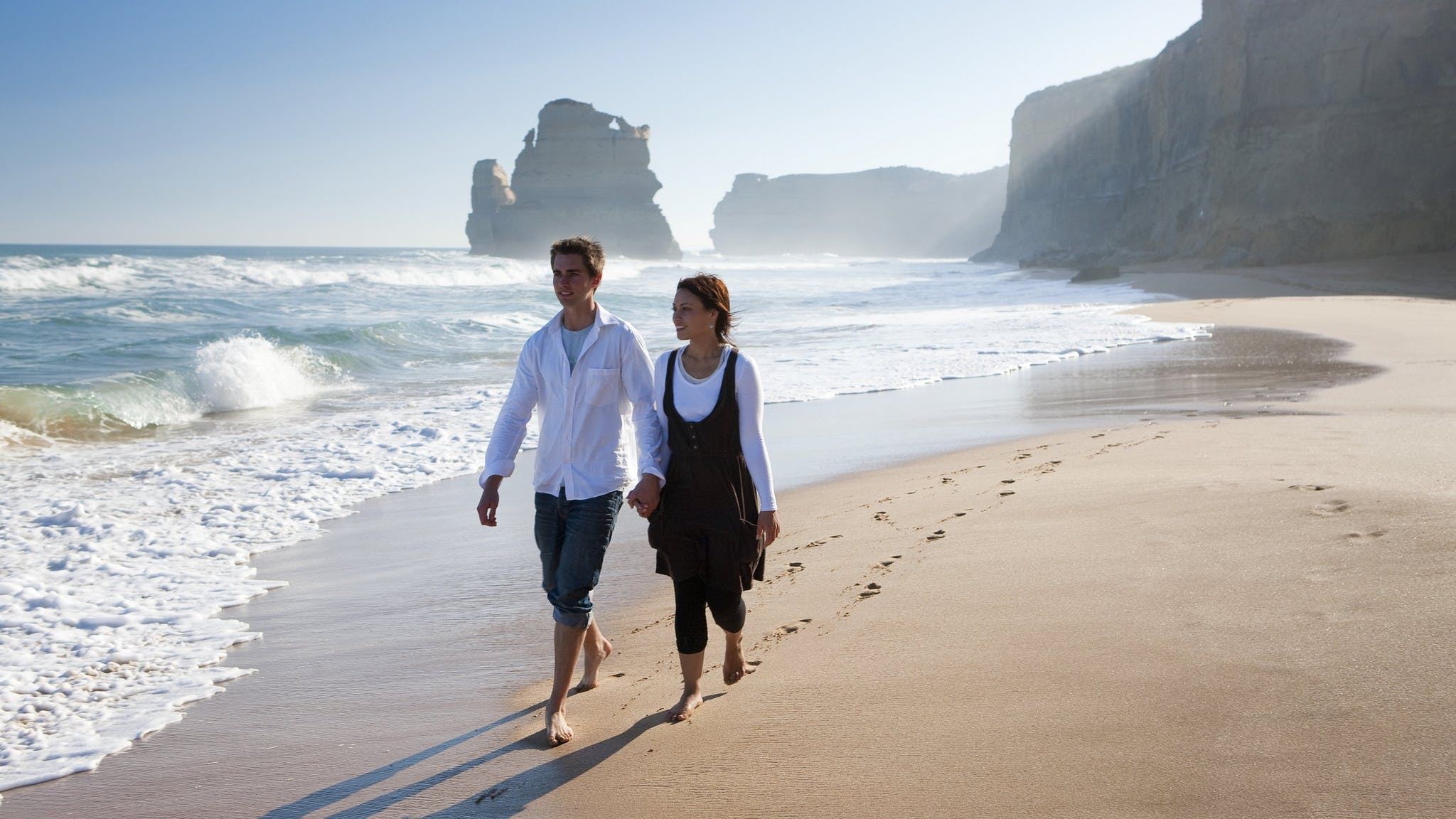 Romantic walk at the Gibson Steps on the Great Ocean Road