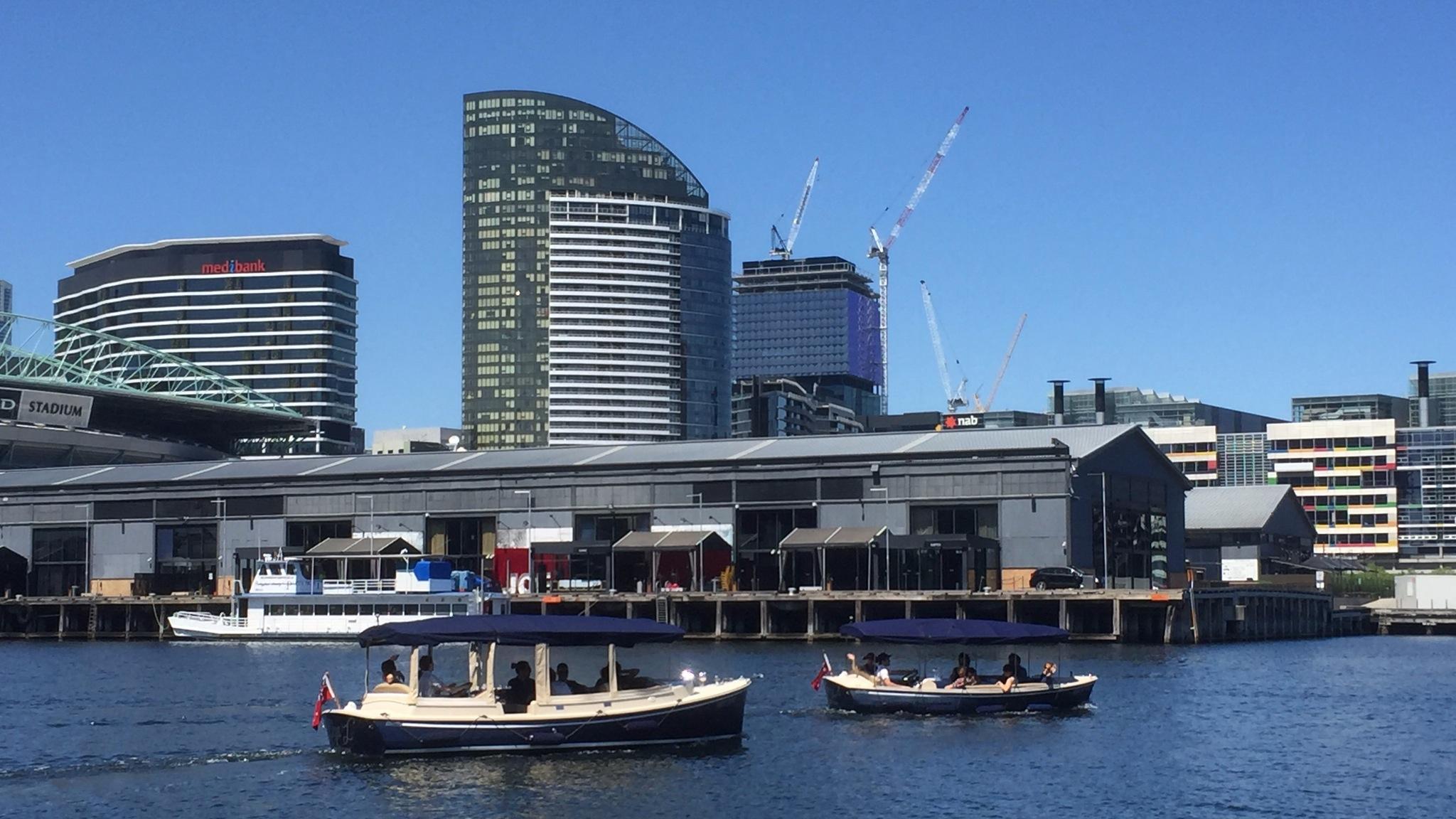 Self-drive boat hire Melbourne