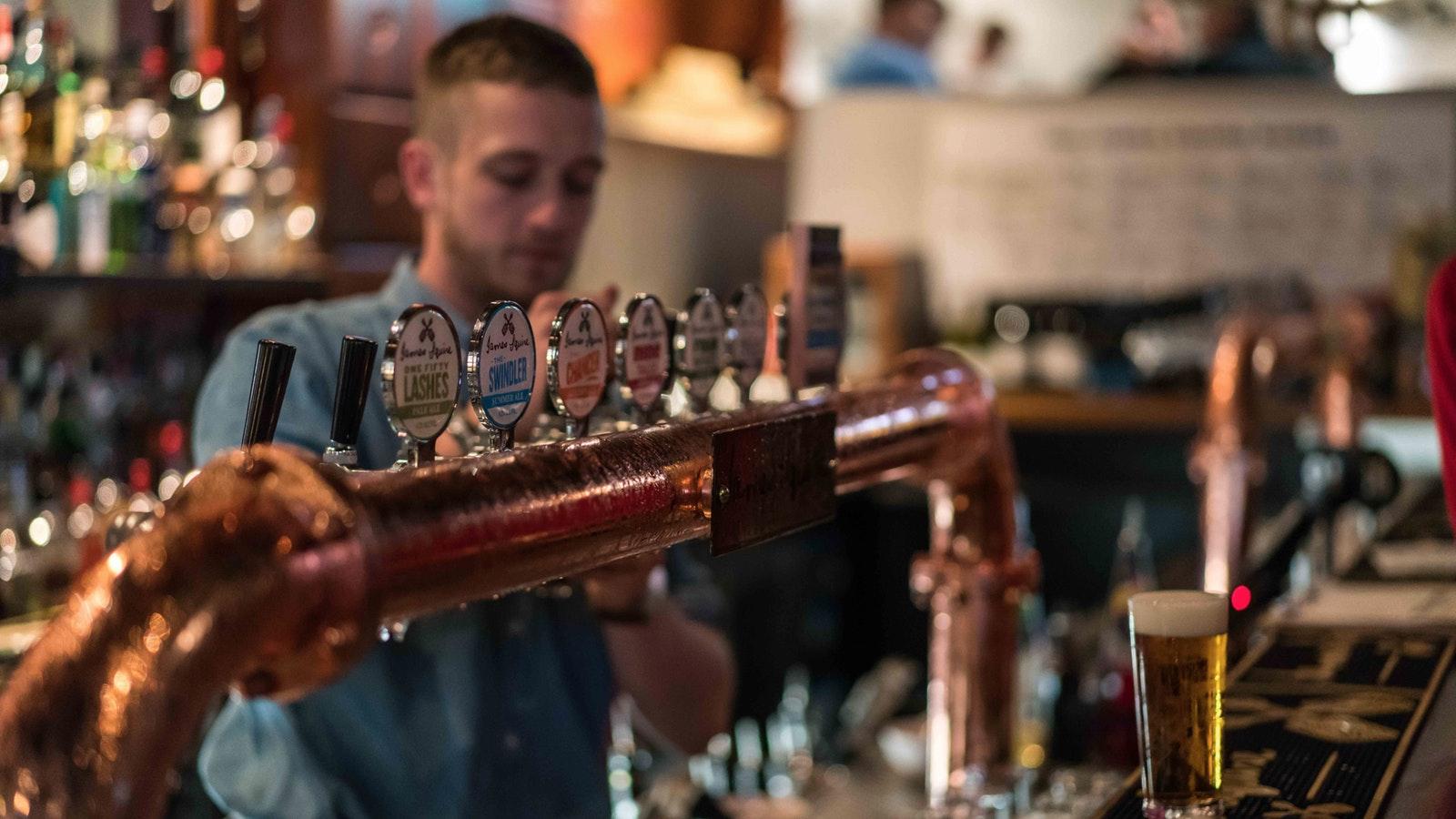 Beer tasting on Booze Makes History Better