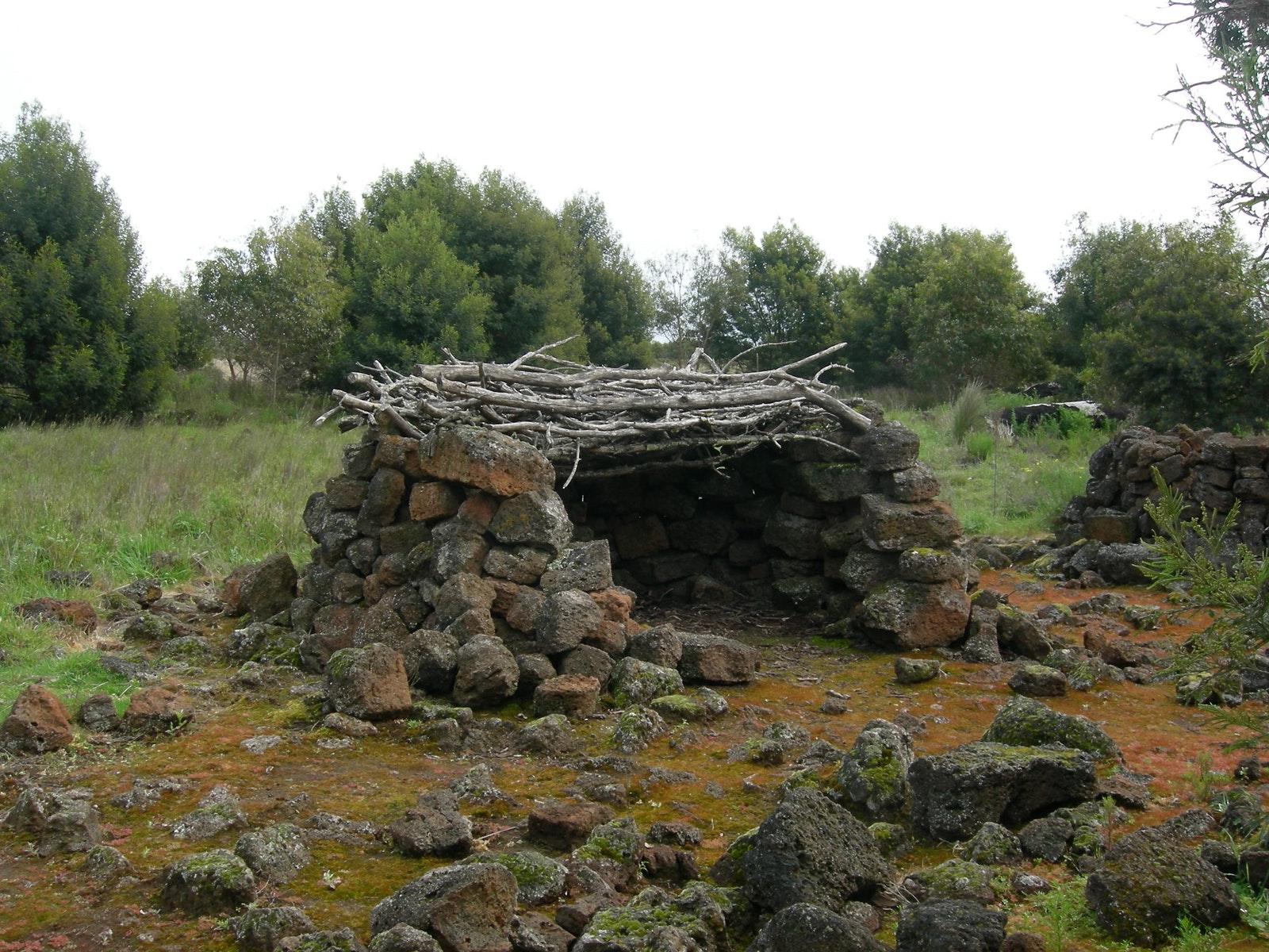 Tyrendarra - replica stone hut