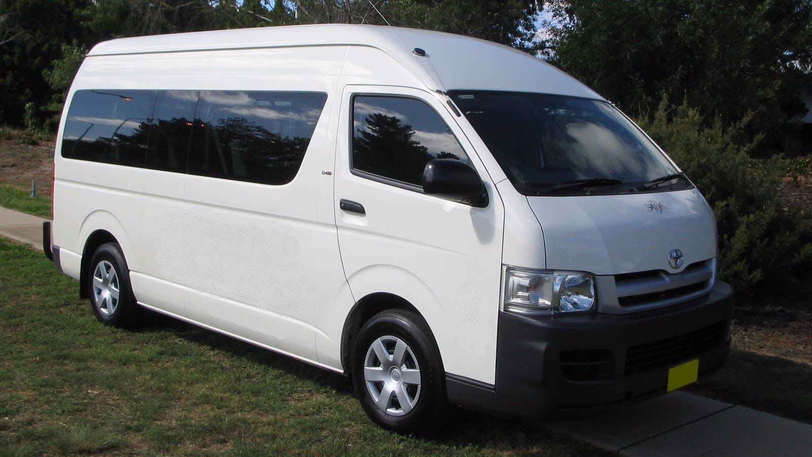 13 seat minibus