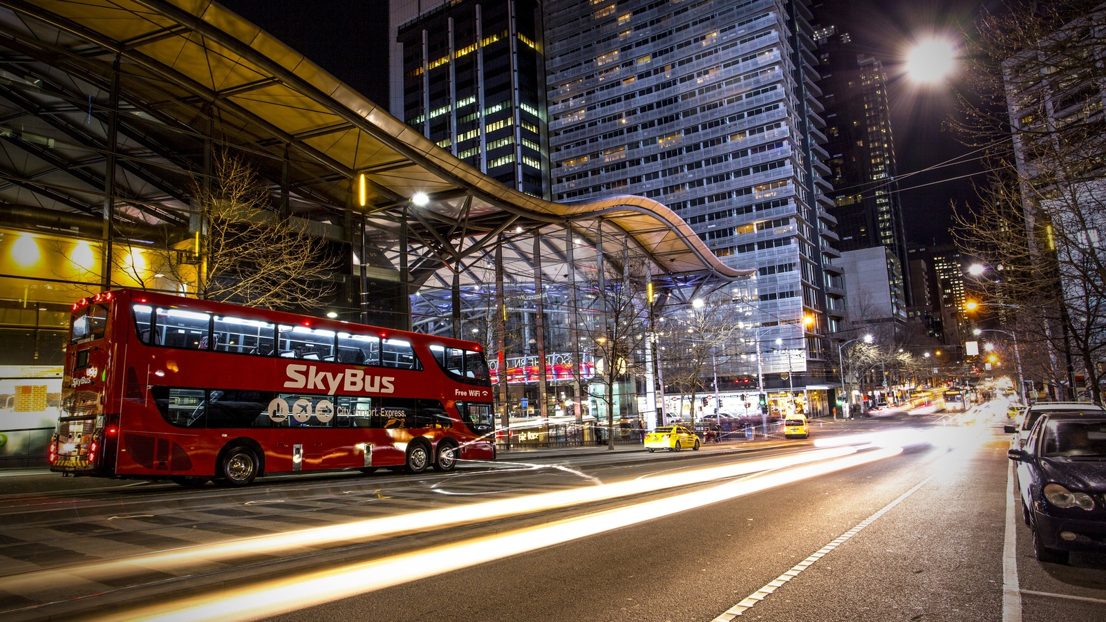 how to get avalon airport from melbourne city