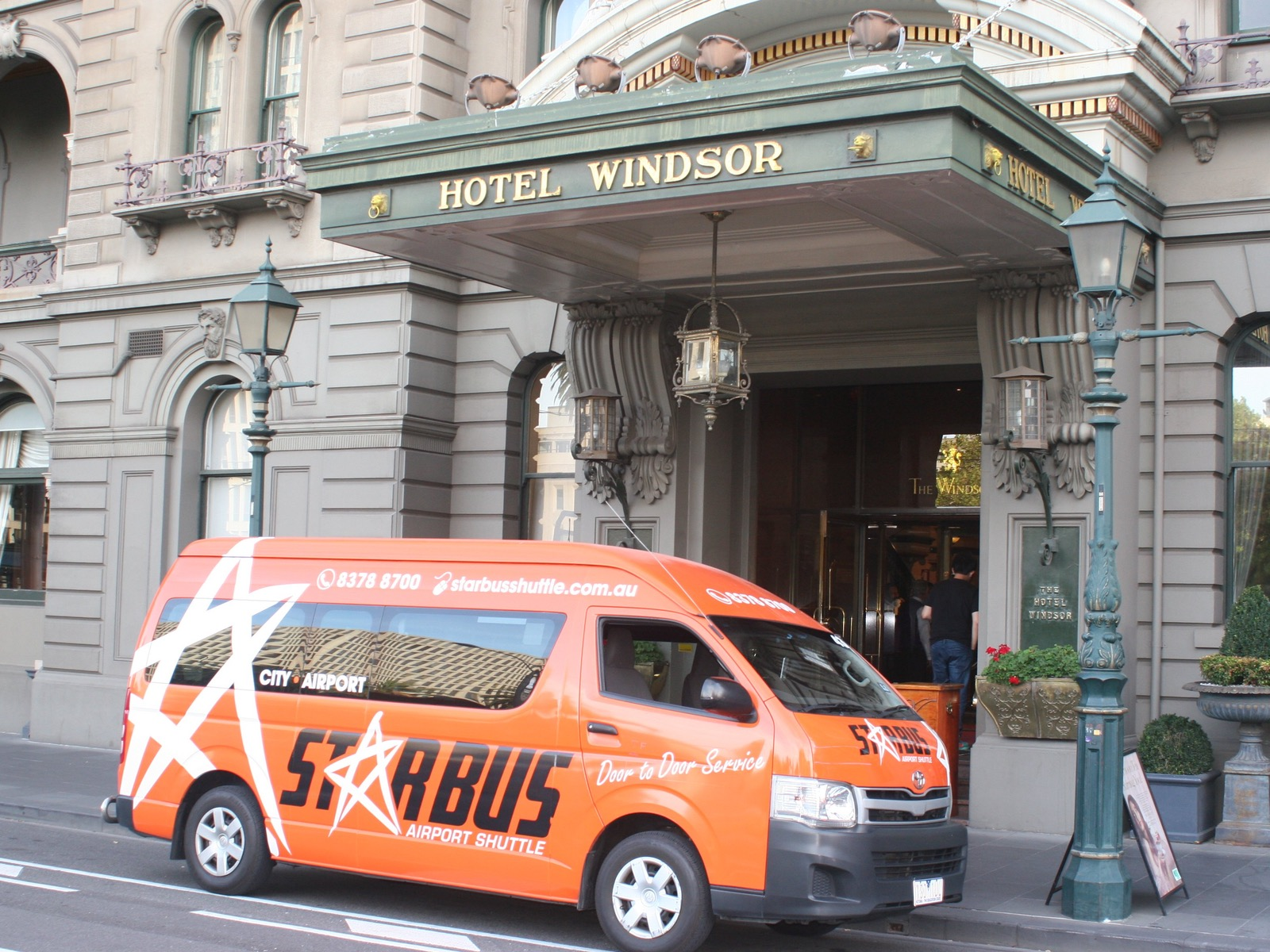 Starbus Airport Shuttle melbourne