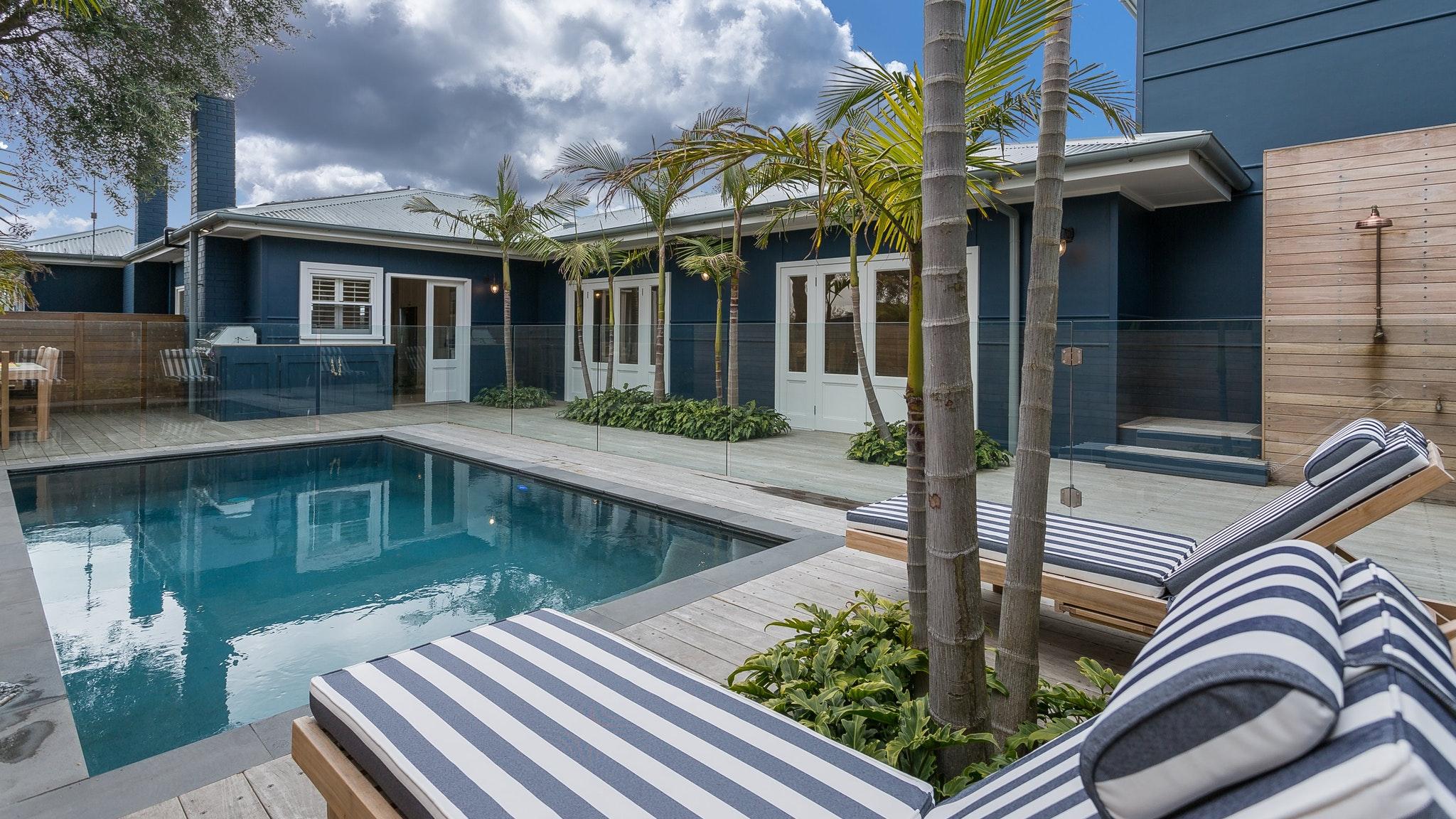 Beach Retreats Holiday Rentals - Allowrie