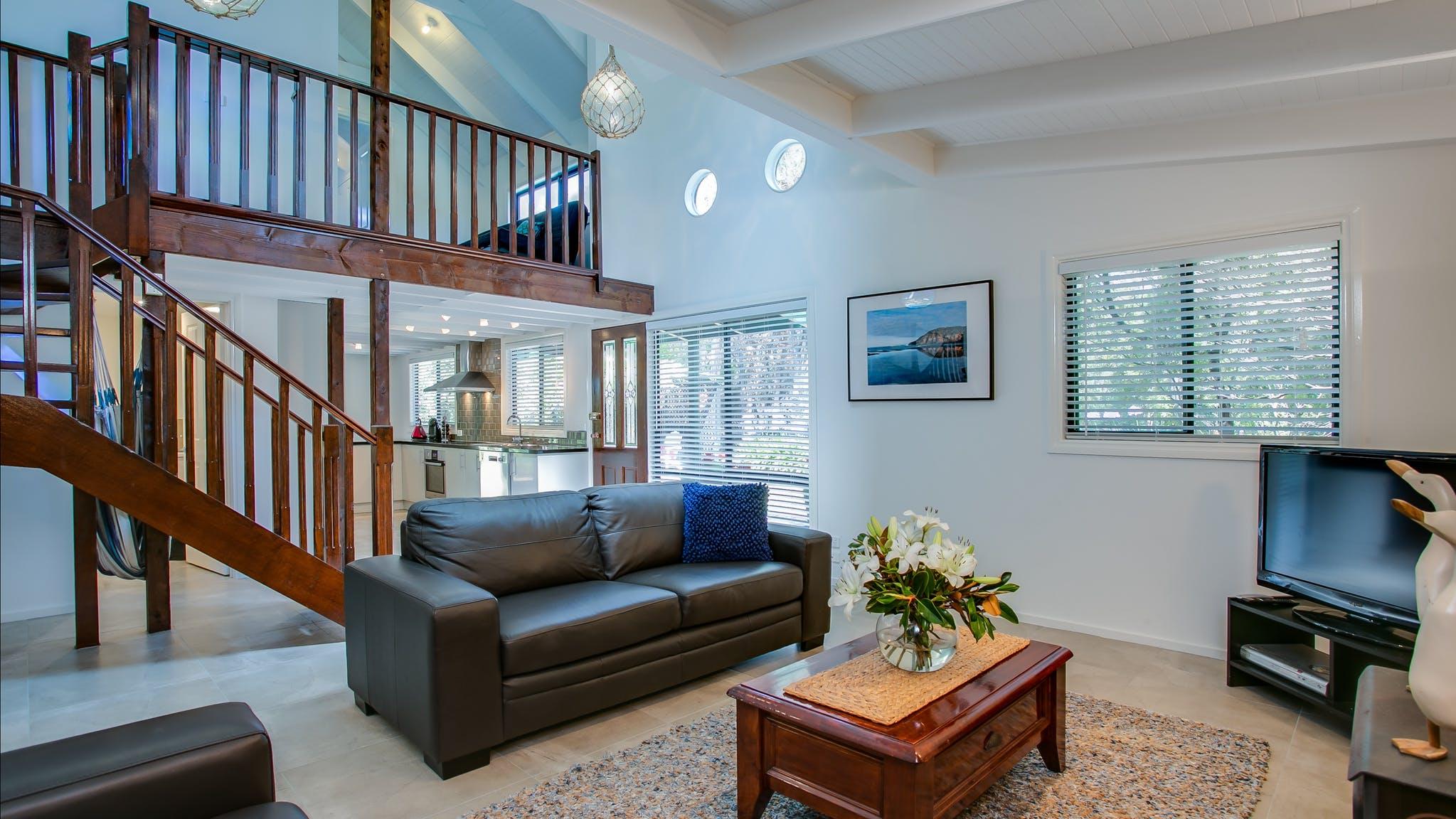 Crew's Cottage Lounge