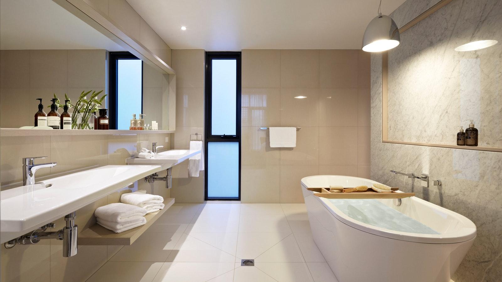 Flinders Suite Bathroom at Quarters