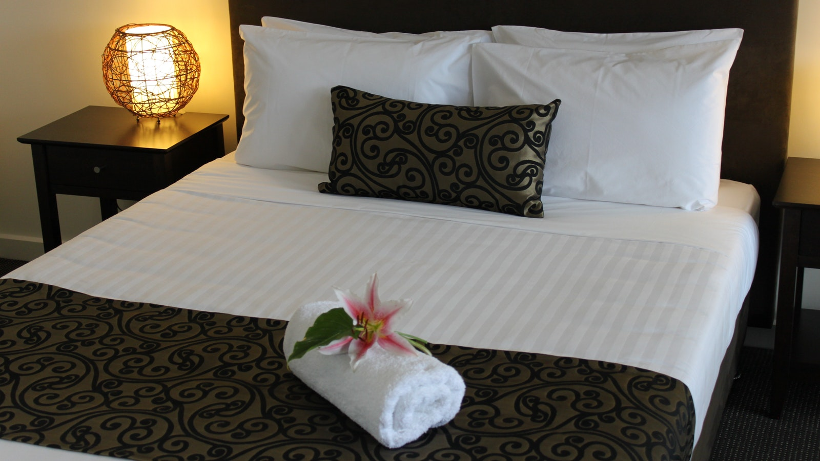 Comfortable Queen Beds in all rooms. Mornington Peninsula Accommodation - The Bay Motel