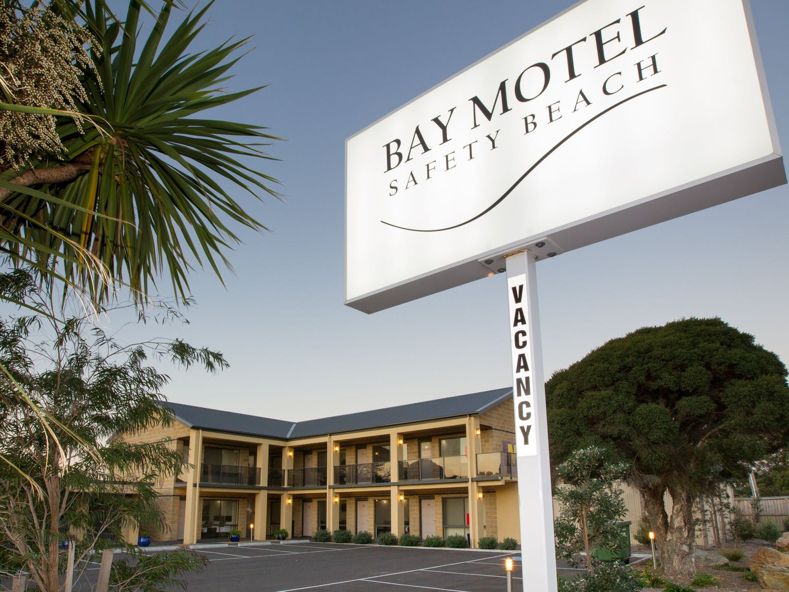 The Bay Motel Deluxe Rooms
