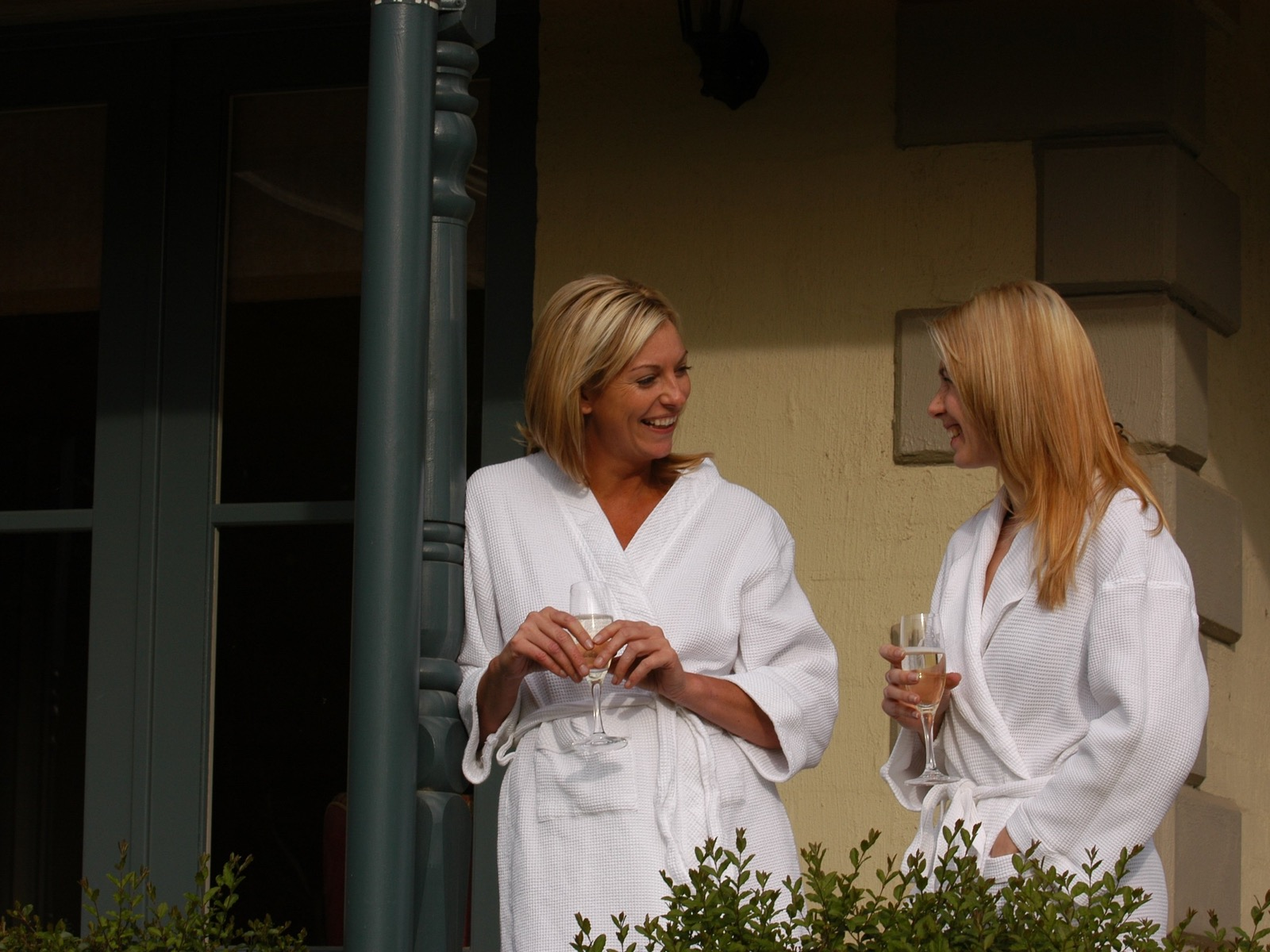 Woodman Estate - Two Ladies at Wellness Retreat