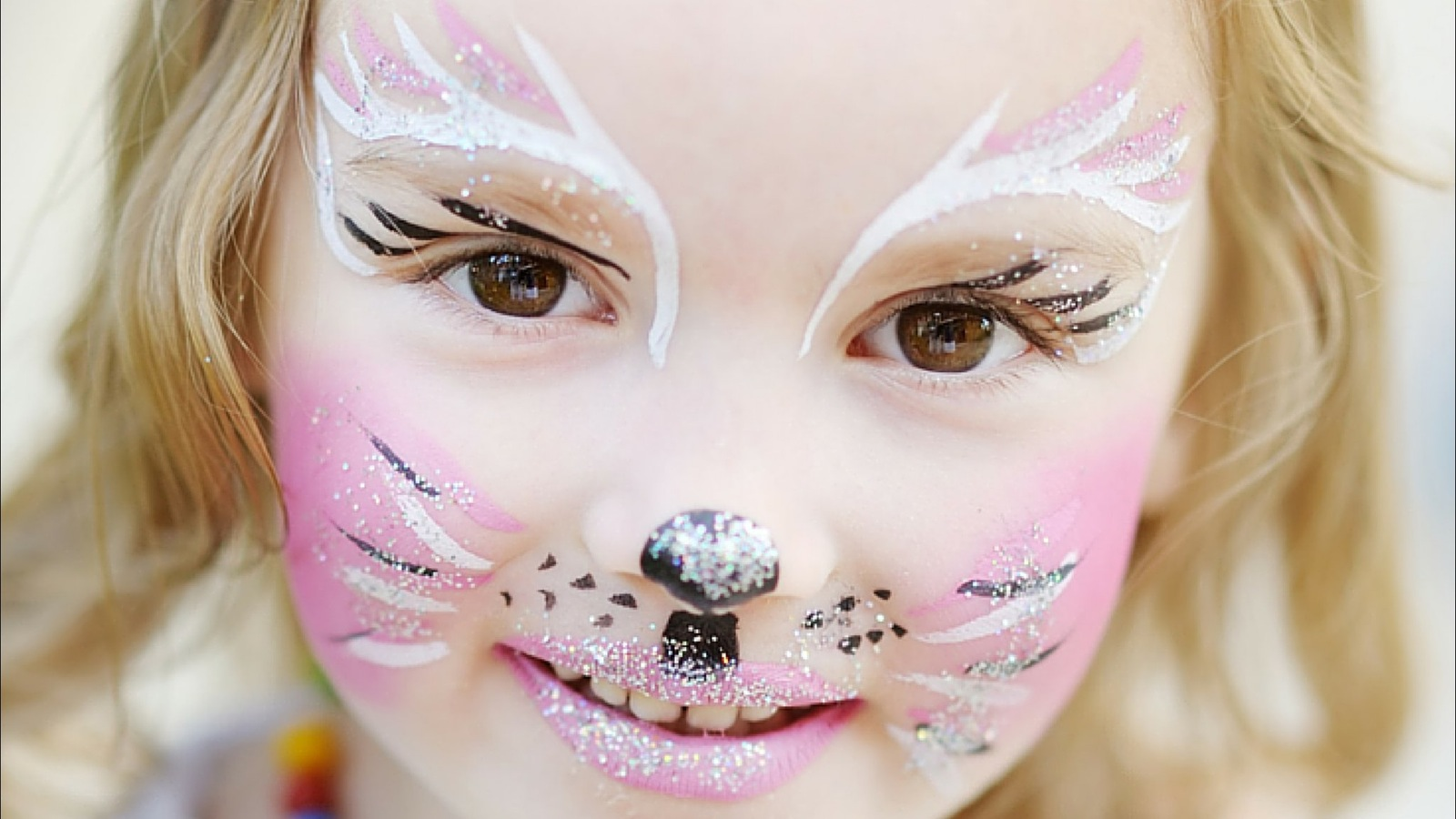 Face painting at the Red Hill Community Market