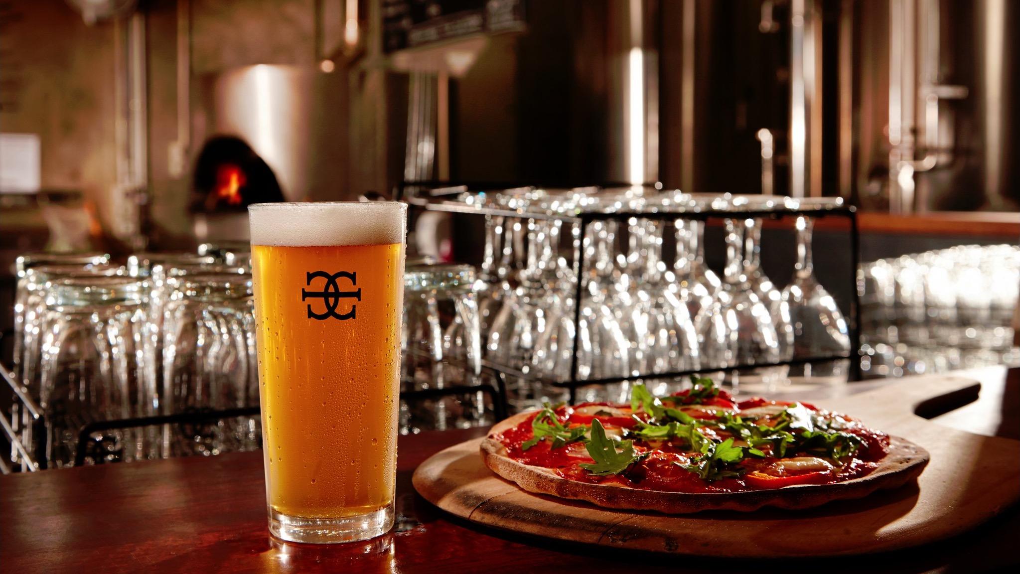 Mornington Peninsula Brewery Pale and pizza