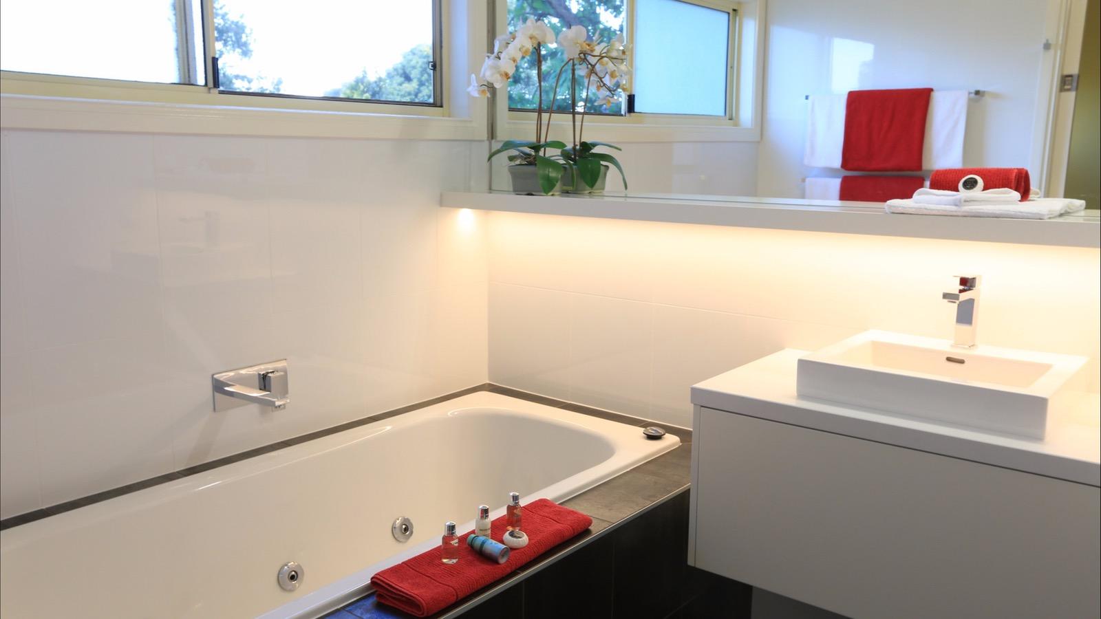 Cottage Spa Bathroom