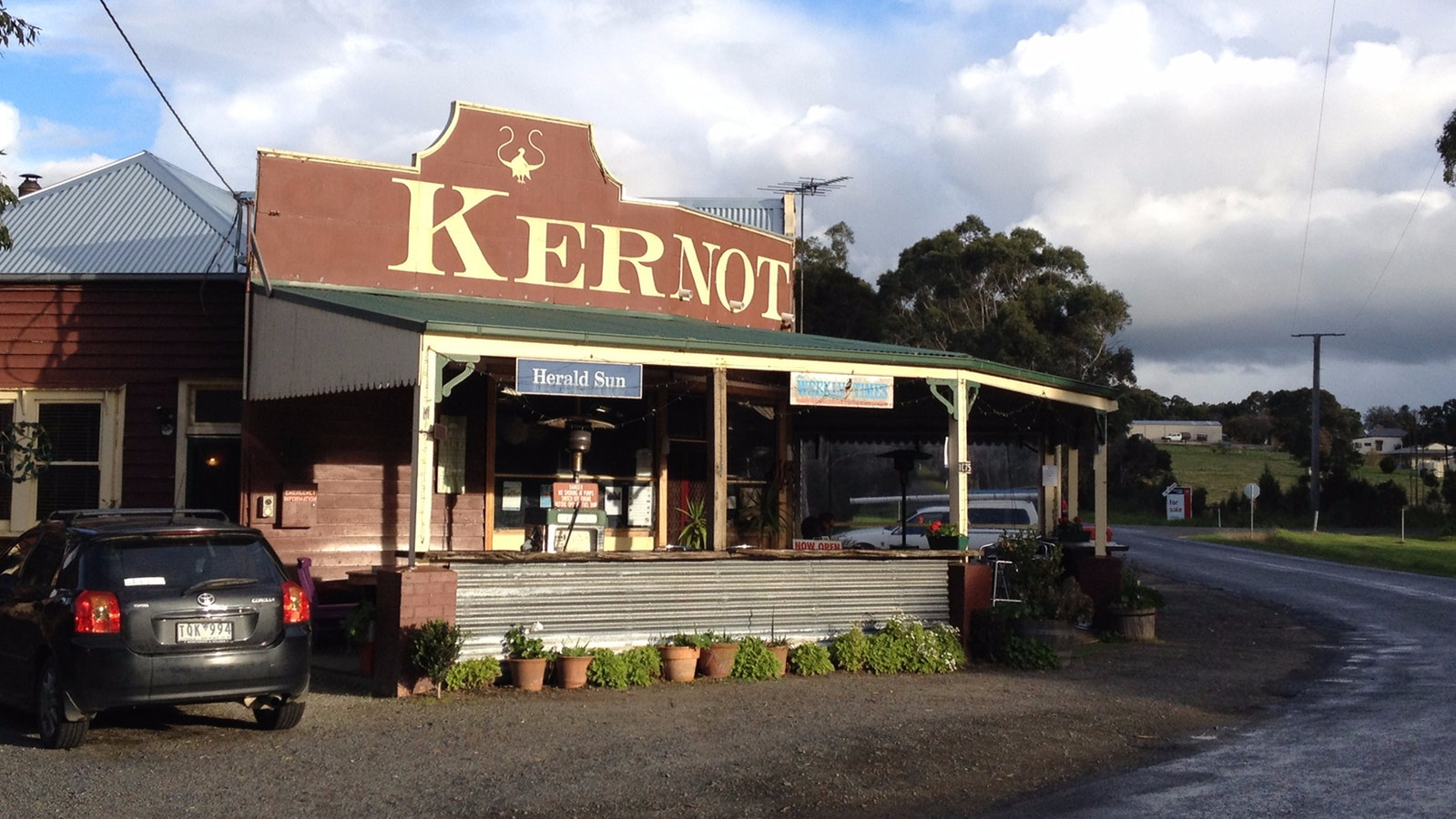 Frontage of Kernot Store