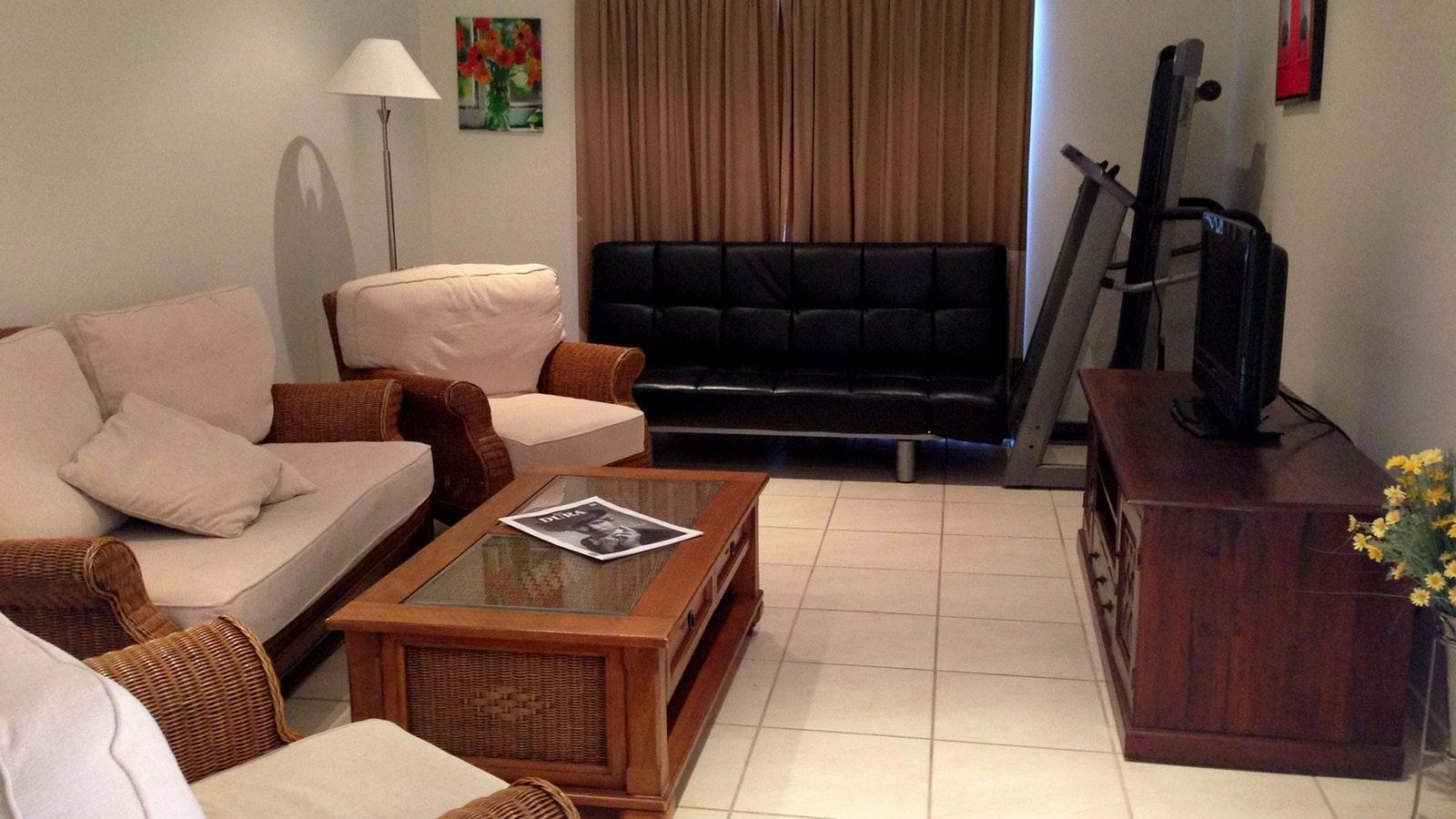 Lounge at 1/393