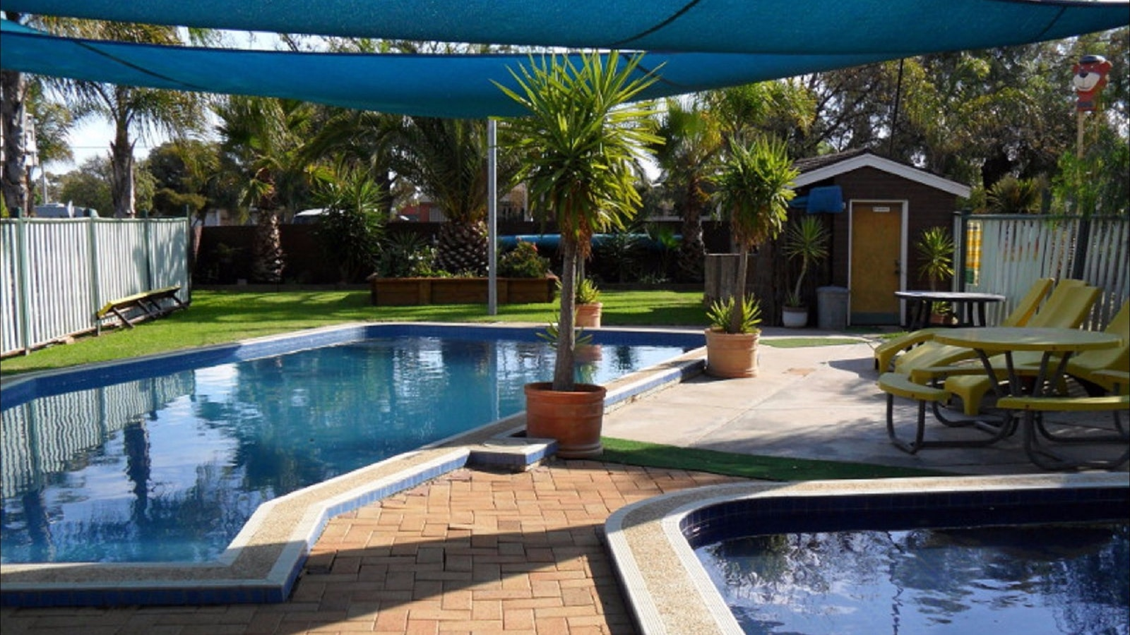 Nathalia Motel Pool
