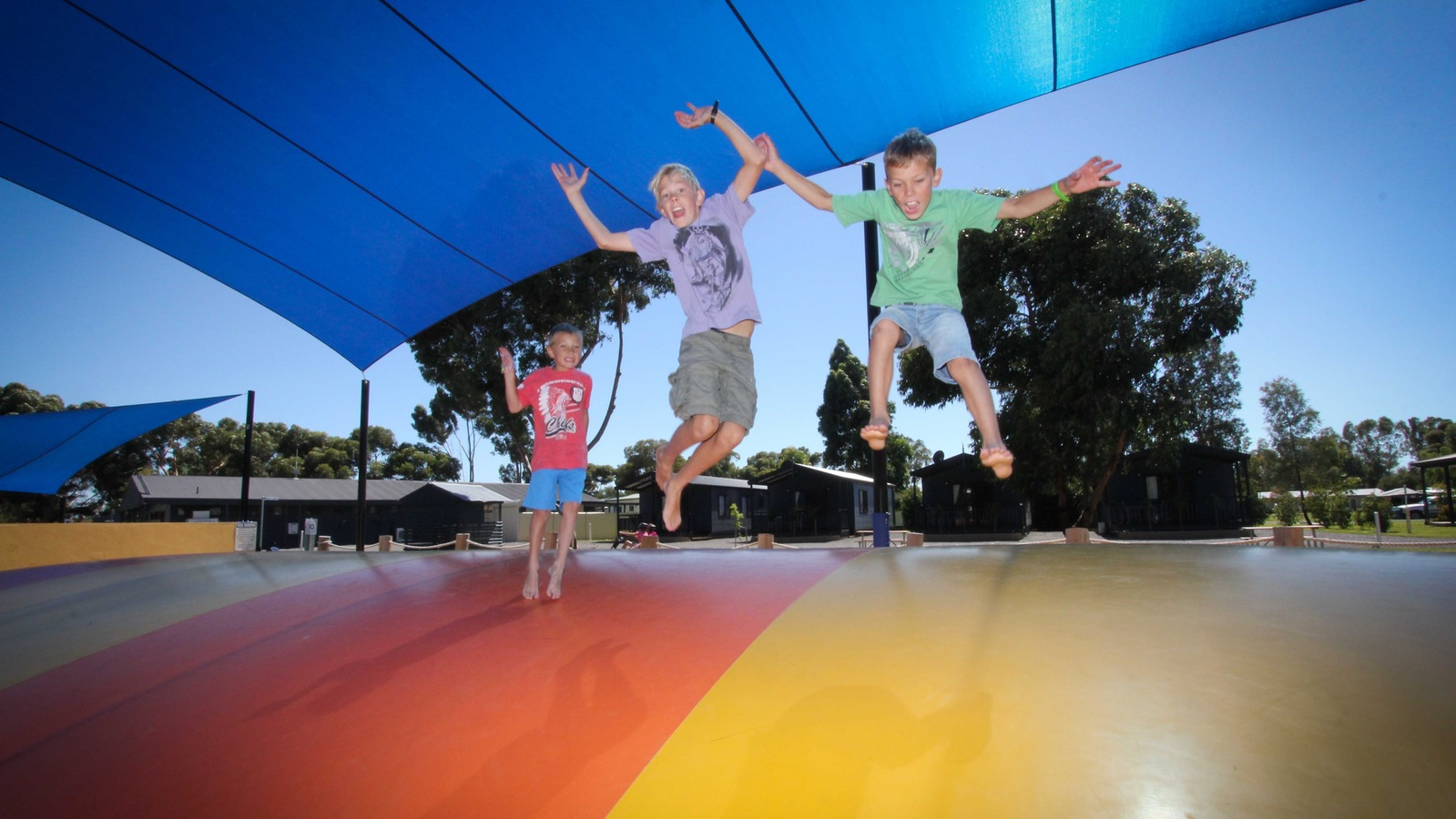 BIG4 Swan Hill giant jumping pillow