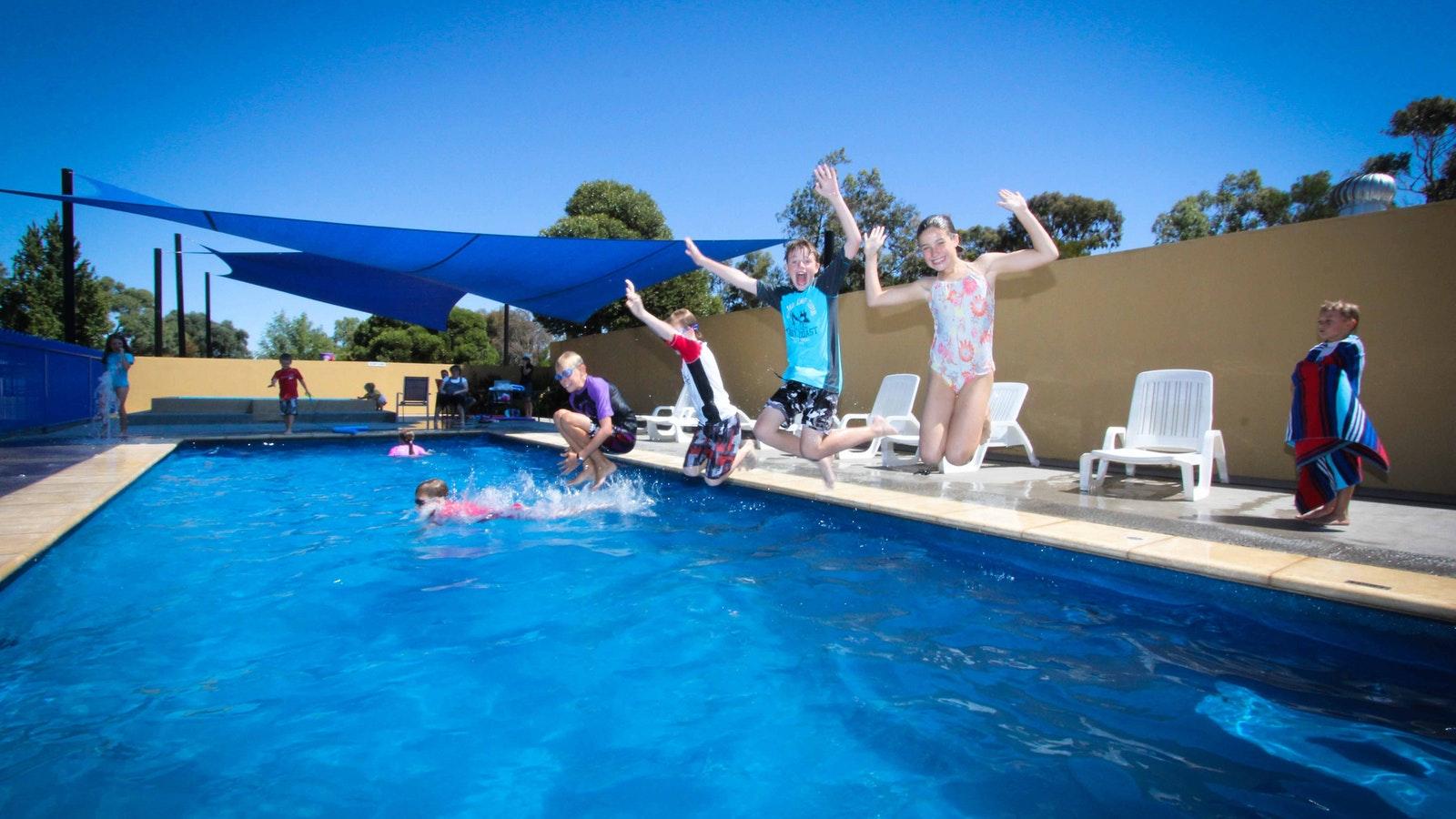BIG4 Swan Hill solar heated pool