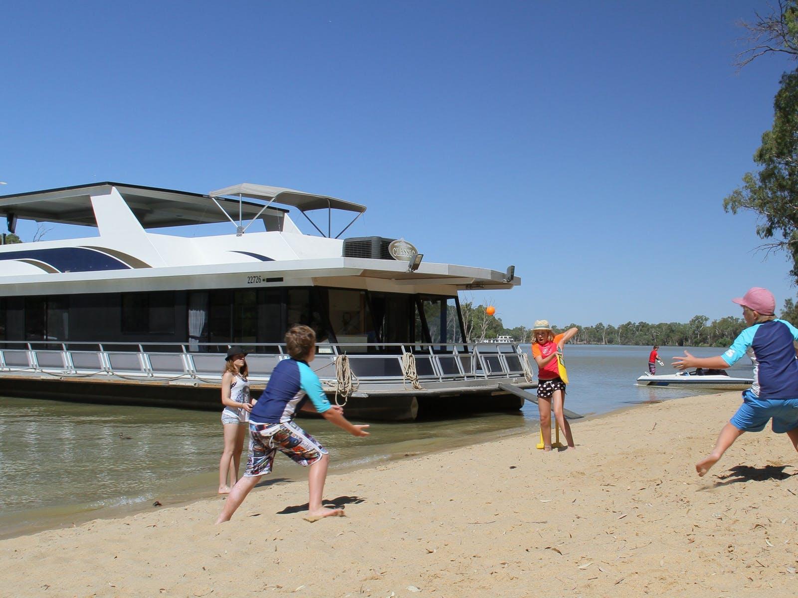 Mildura Holiday Houseboats