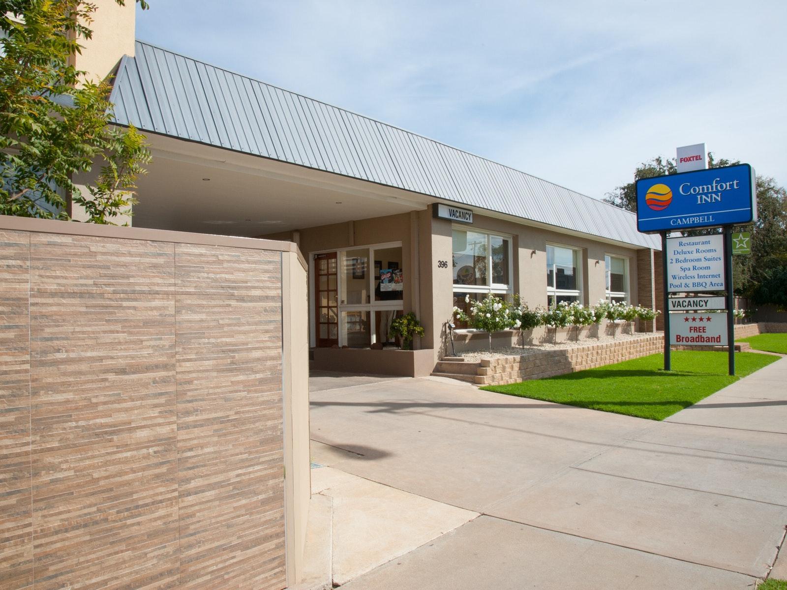 Exterior Photo of motel