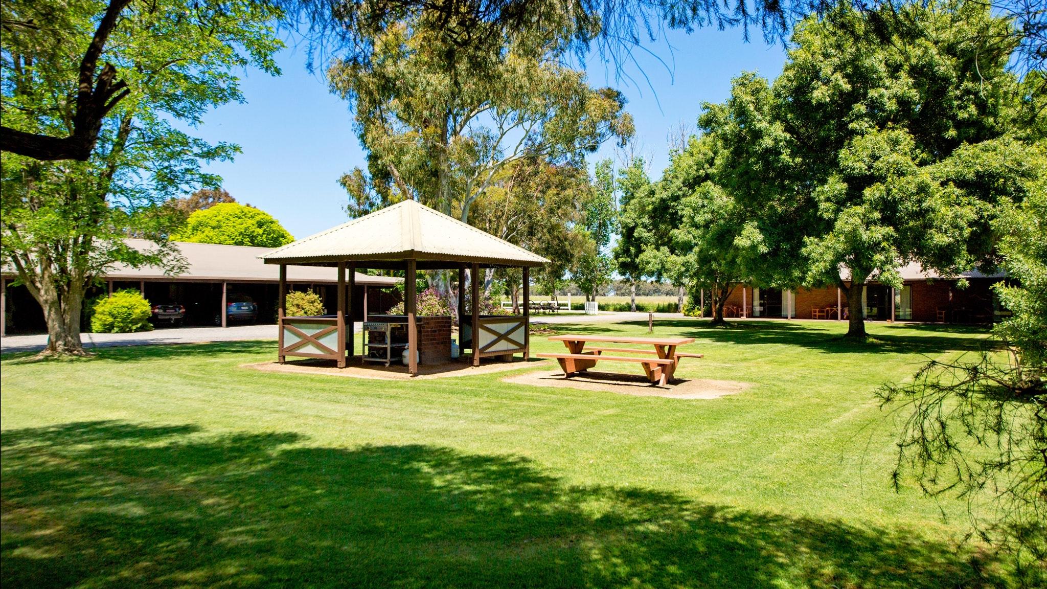 BBQ area Golfers Resort