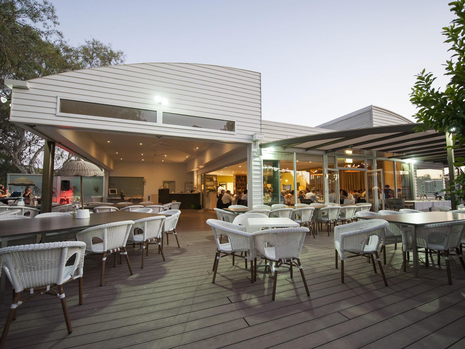Spoons Riverside Restaurant