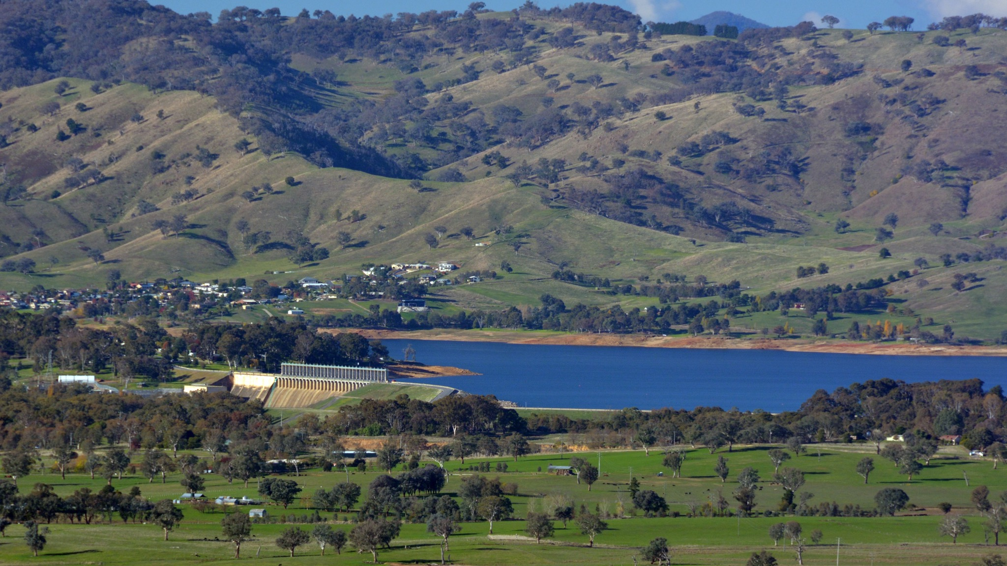 View of Lake Hume from Huon Hill