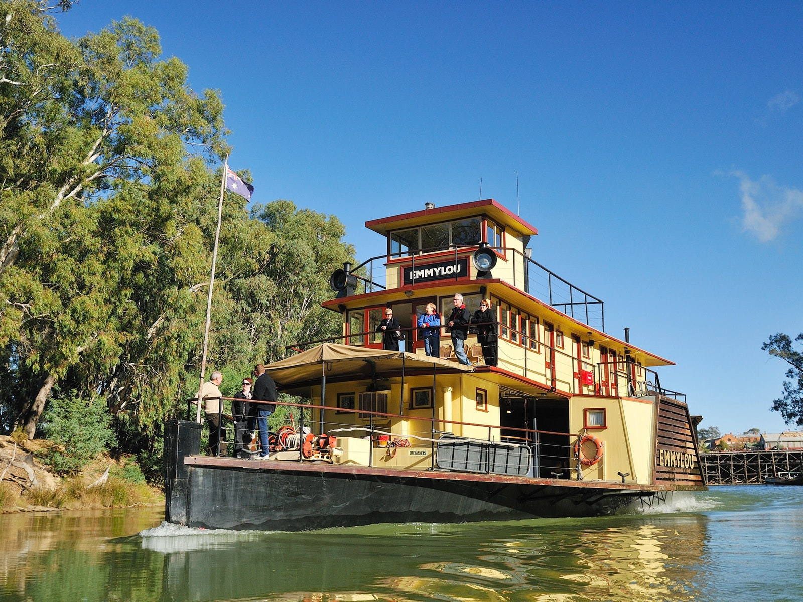 PS Emmylou Steaming from Echuca Wharf