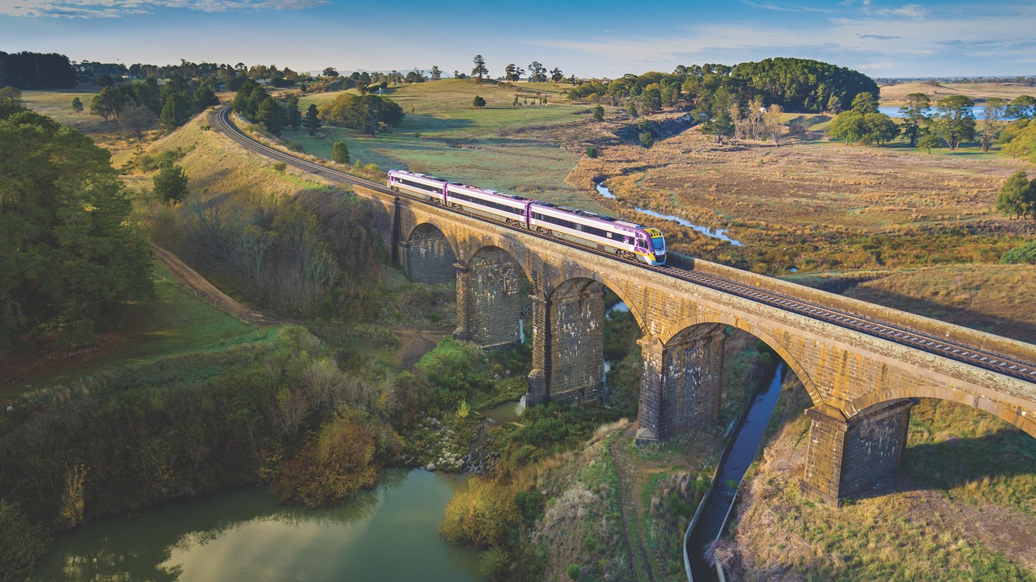 Malmsbury Viaduct to Echcua on VLine