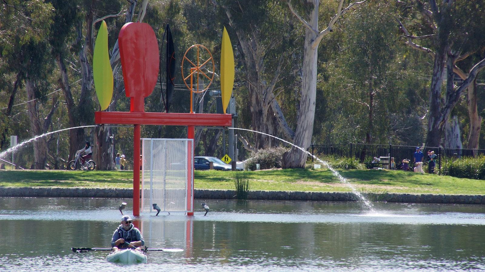 Federation Sculpture, Victoria Park Lake