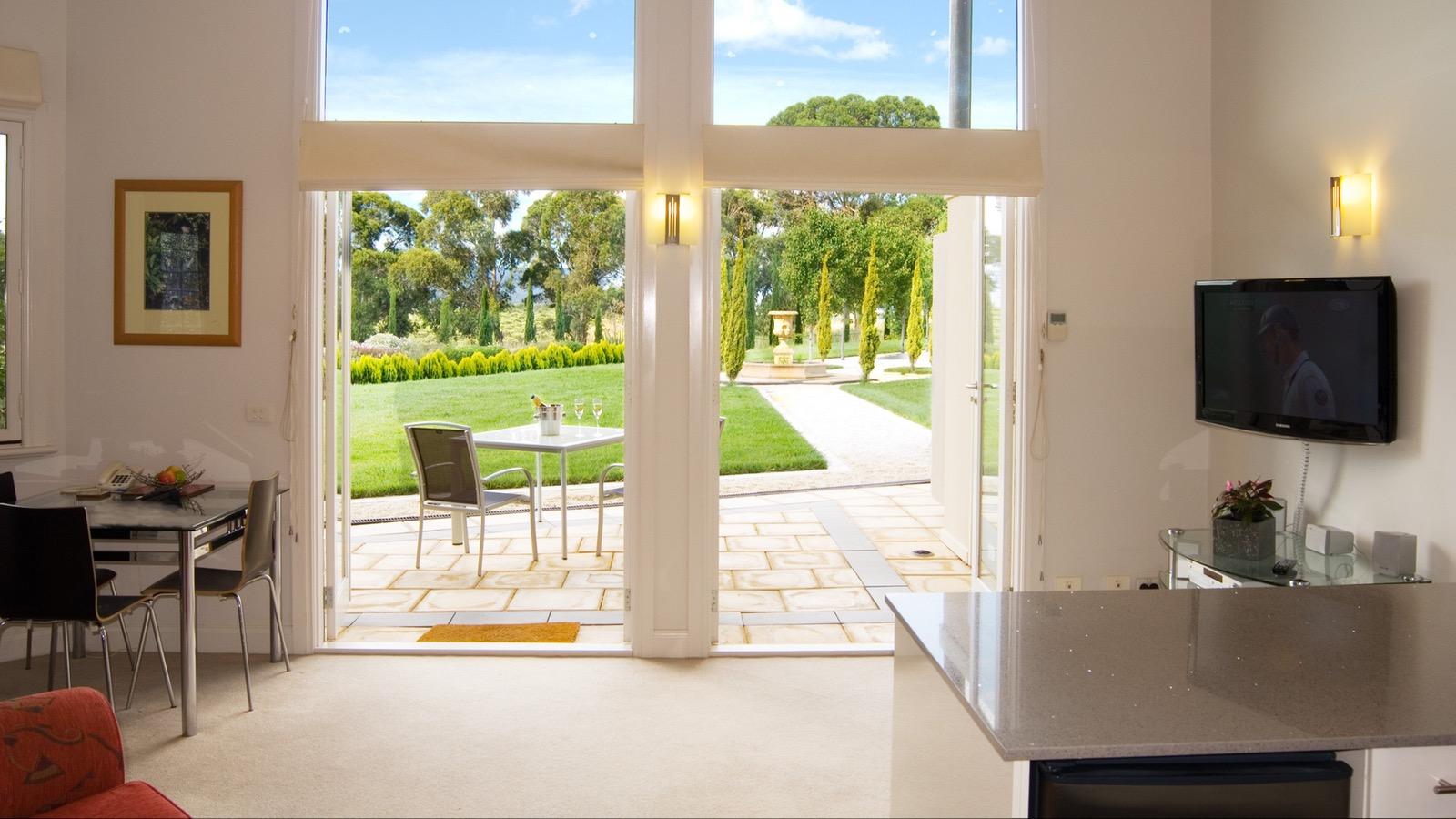 Yarra Suite interior/exterior