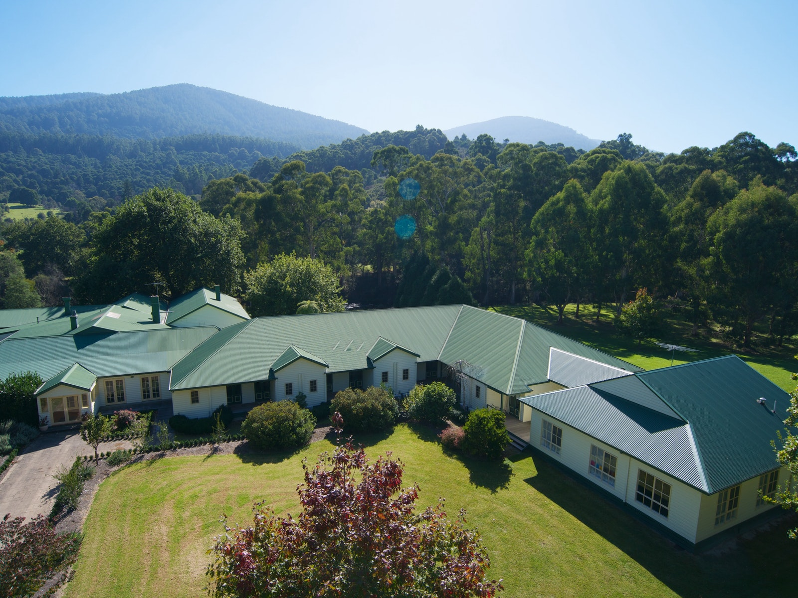 Boutique Hotel by the Yarra River in Warburton