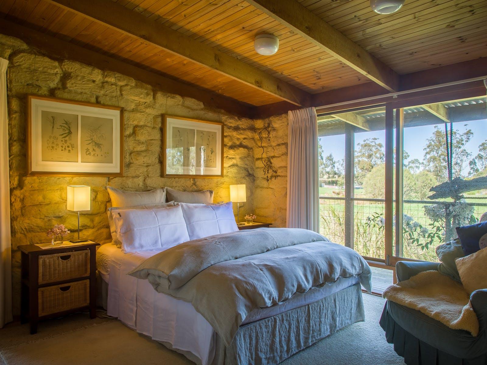 Cosy, comfy and quiet bedroom