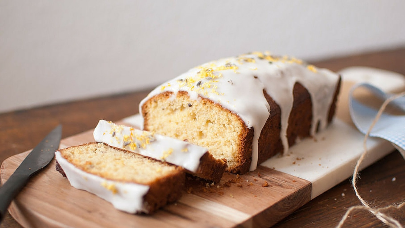 Freshly baked lemon cake