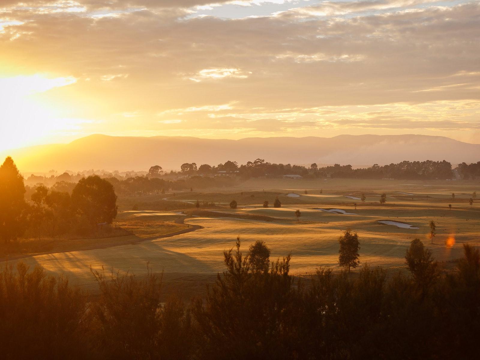 golf yarra valley and dandenong ranges victoria australia. Black Bedroom Furniture Sets. Home Design Ideas