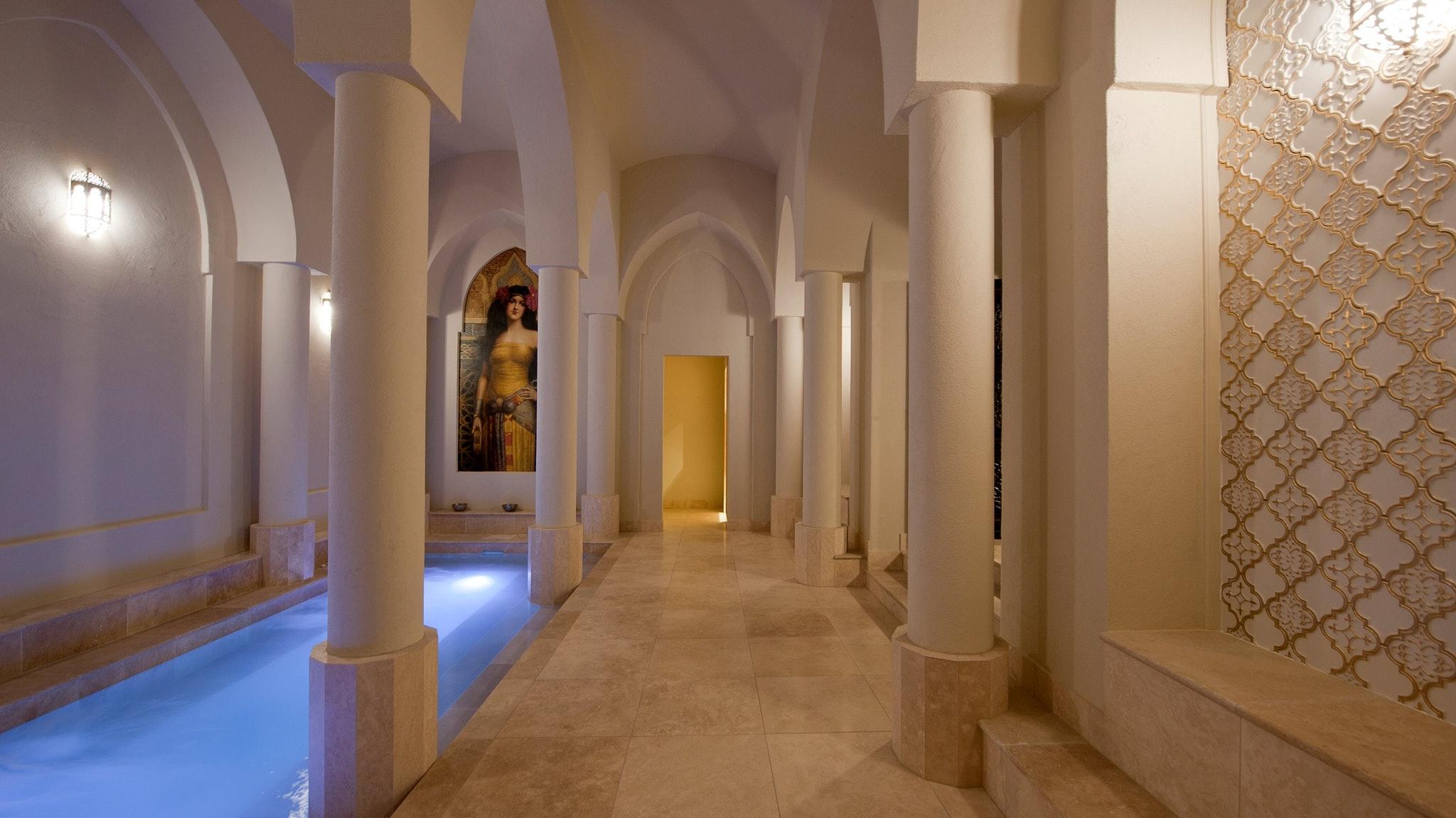 Roman Bathhouse - Spa de Marrakech
