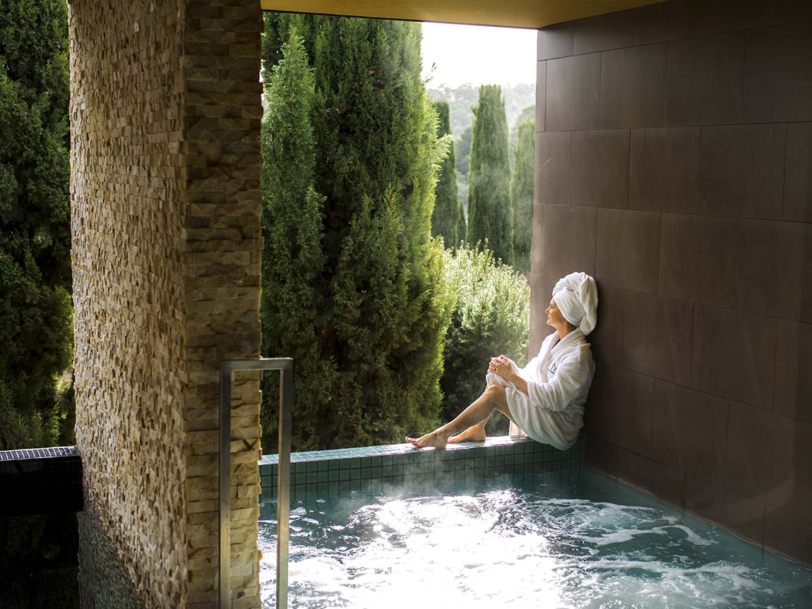 Spa and wellbeing daylesford and the macedon ranges for Spas that come to your house