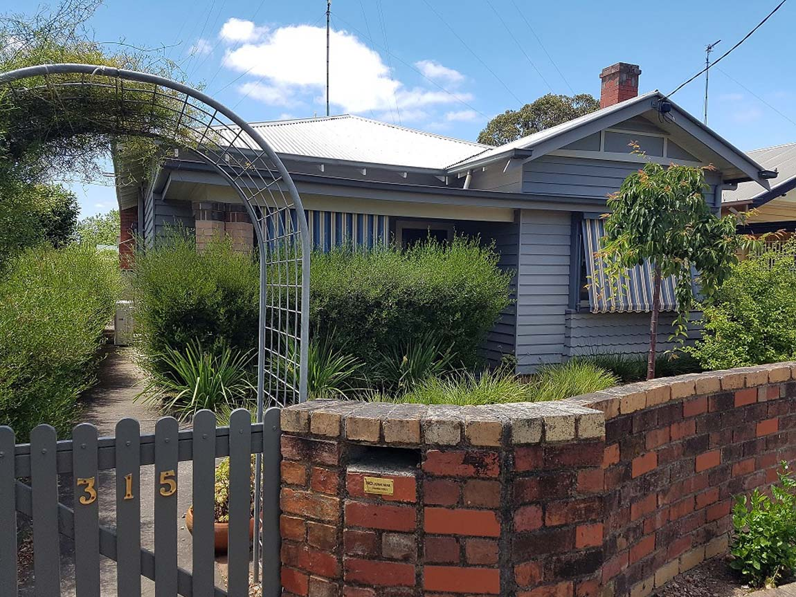 Calbung Stays, Goldfields, Victoria, Australia