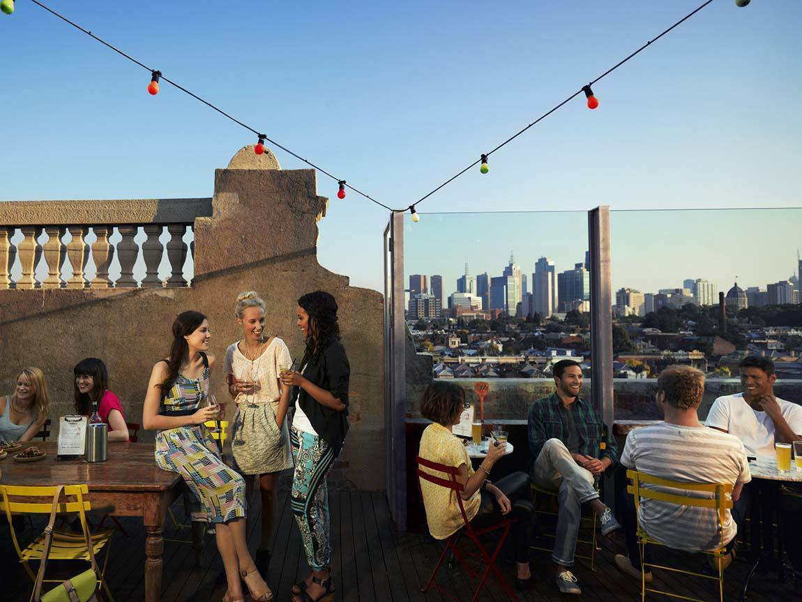 How to get a date in Melbourne