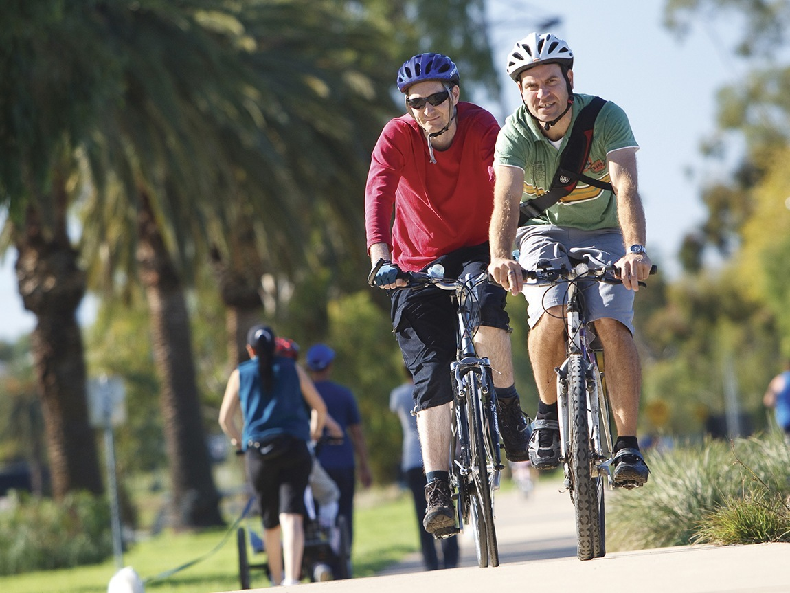 Cycling in Maribyrnong Valley Parklands, Melbourne, Victoria, Australia. Photo: Parks Victoria