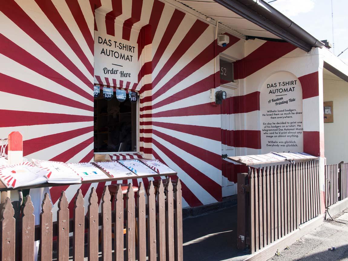 Das T-Shirt Automat, Fitzroy, Melbourne, Victoria, Australia