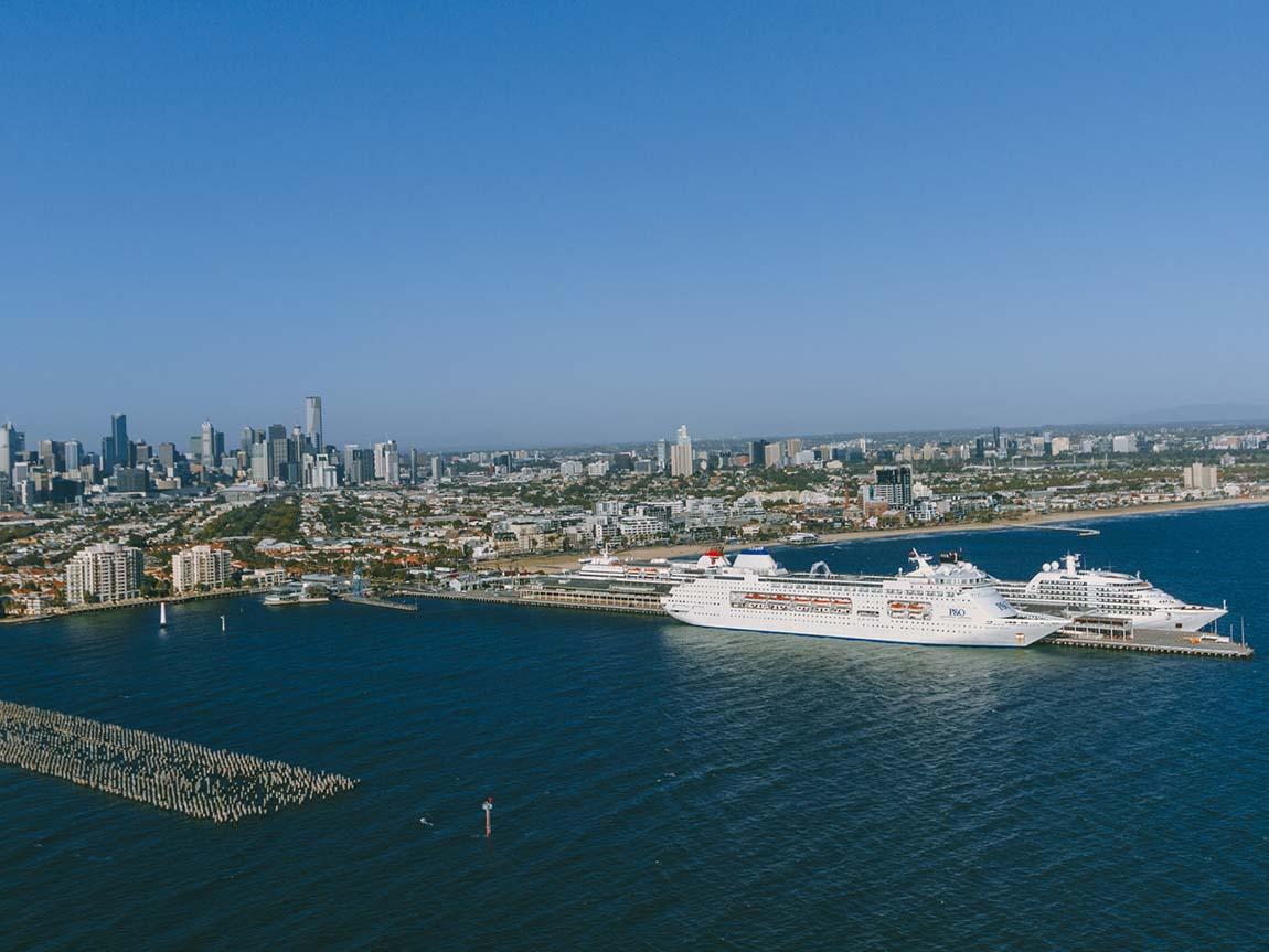 Cruise ships at Station Pier, Melbourne, Victoria, Australia. Image: Roberto Seba