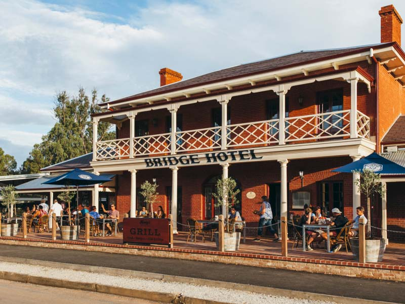 Bridge Hotel, Echuca - Broadsheet